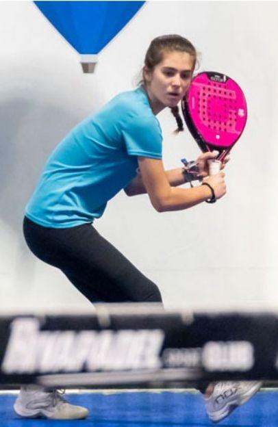 LUCIA  BURGUILLOS